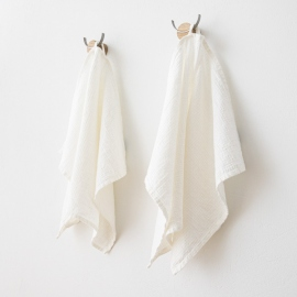 Set di 2 asciugamaniper ospiti in lino e cotone bianco Wafer